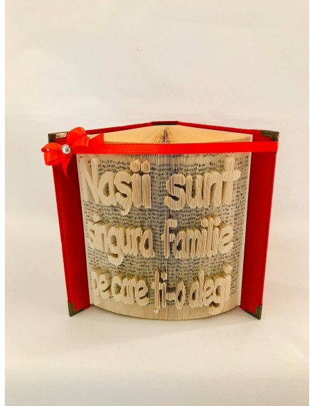 cadou pentru nasi carte sculptata manual