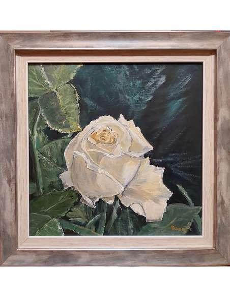Trandafir alb gălbui