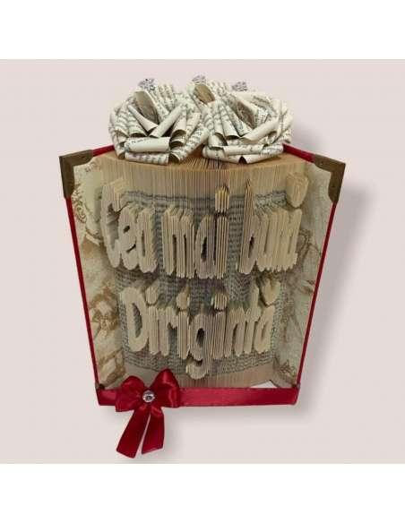 Cadou dirigintă, carte sculptată