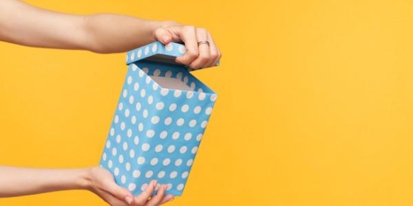 Cadouri pentru companii și angajați